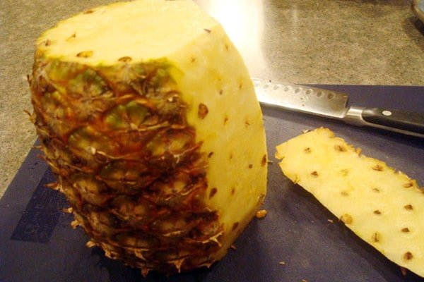 Cutting a Pineapple: My Way