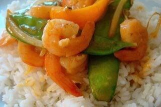 Shrimp Stir Fry with Snow Peas and Coconut Curry Sauce