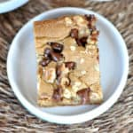 Walnut Chocolate Chip Blondies {Applebee's Knock-off Recipe}