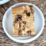 Walnut Chocolate Chip Blondies {Applebee's Knock-off Recipe}