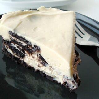 {No-Bake} Oreo Cheesecake
