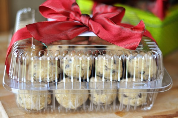 Cookies Container Bow jpg