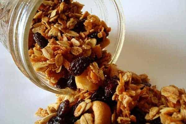 Coconut and Cashew Granola