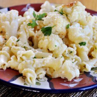 Roasted Garlic and Cauliflower Pasta
