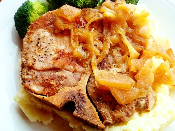 Tender Pork Chops with Caramelized Apples and Onions