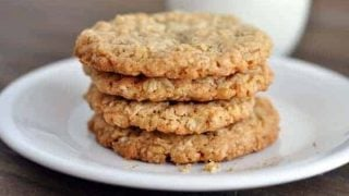 Thin and Crispy Oatmeal Cookies