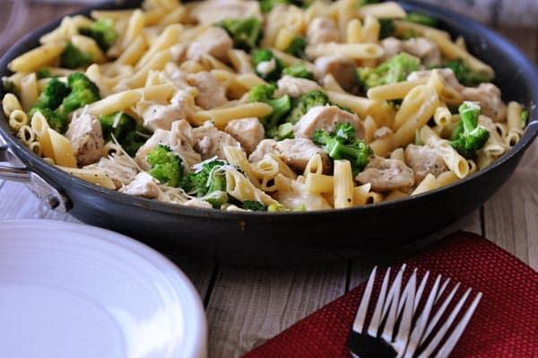 One Pot Creamy Lemon Chicken Pasta with Broccoli