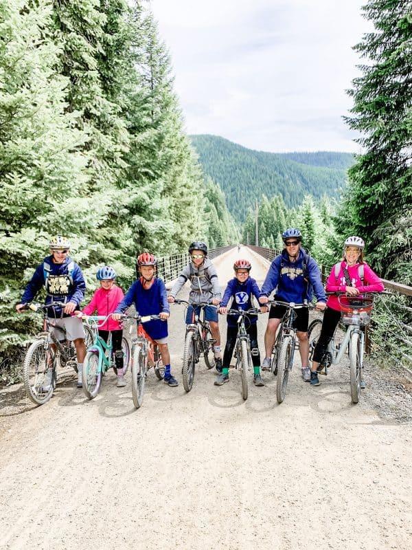 family on bikes on Hiawatha Trail