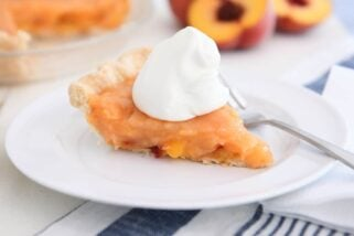 The Most Amazing Fresh Peach Pie {No Bake Filling}
