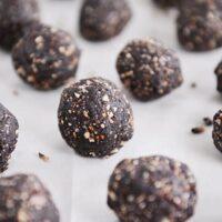 Healthy Dark Chocolate Almond Joy Bites