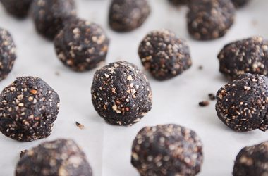 Healthy Dark Chocolate Almond Joy Bites