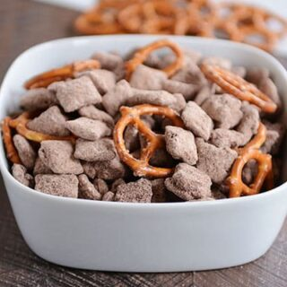 Brownie Batter Puppy Chow {Muddy Buddies}