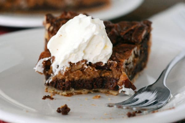 ... lemmetellyou, chocolate caramel pecan pie has completely won my heart