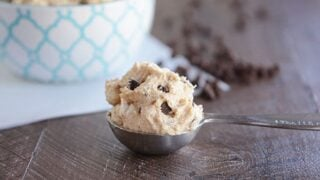 Chocolate Chip Cookie Dough Frosting