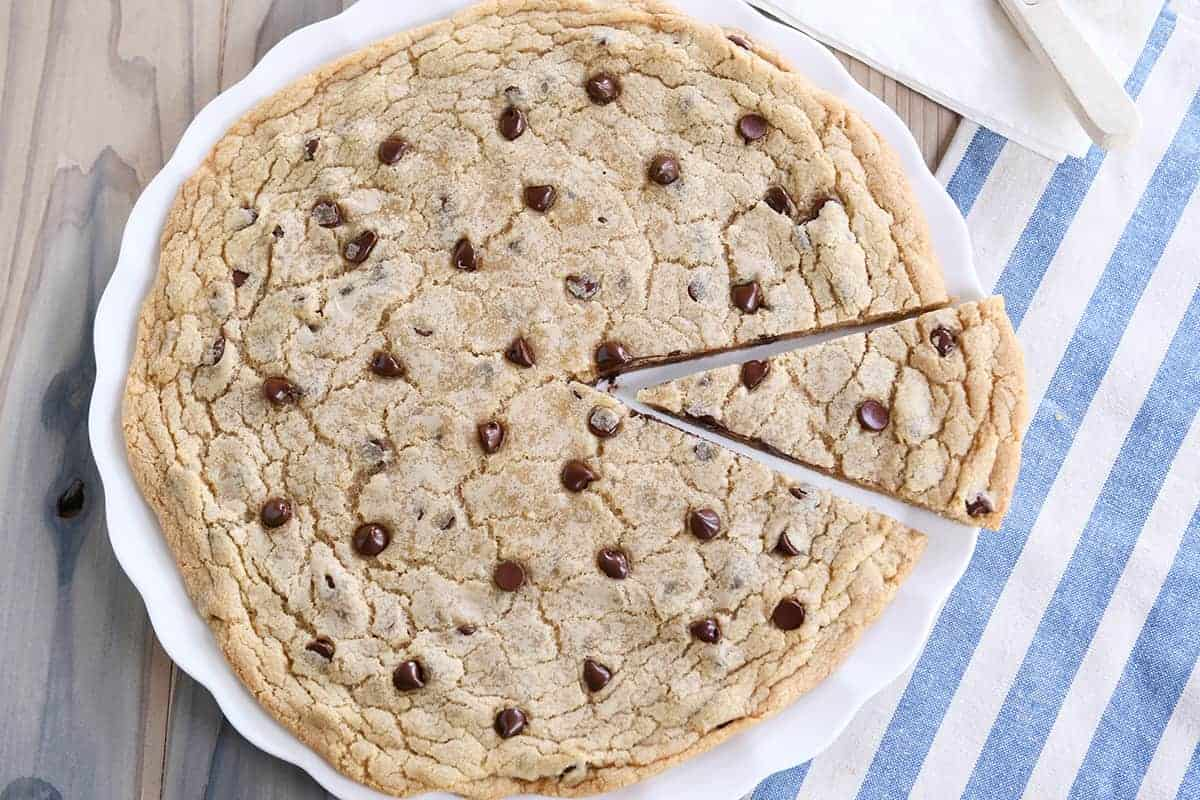 Super Easy Giant Chocolate Chip Cookie