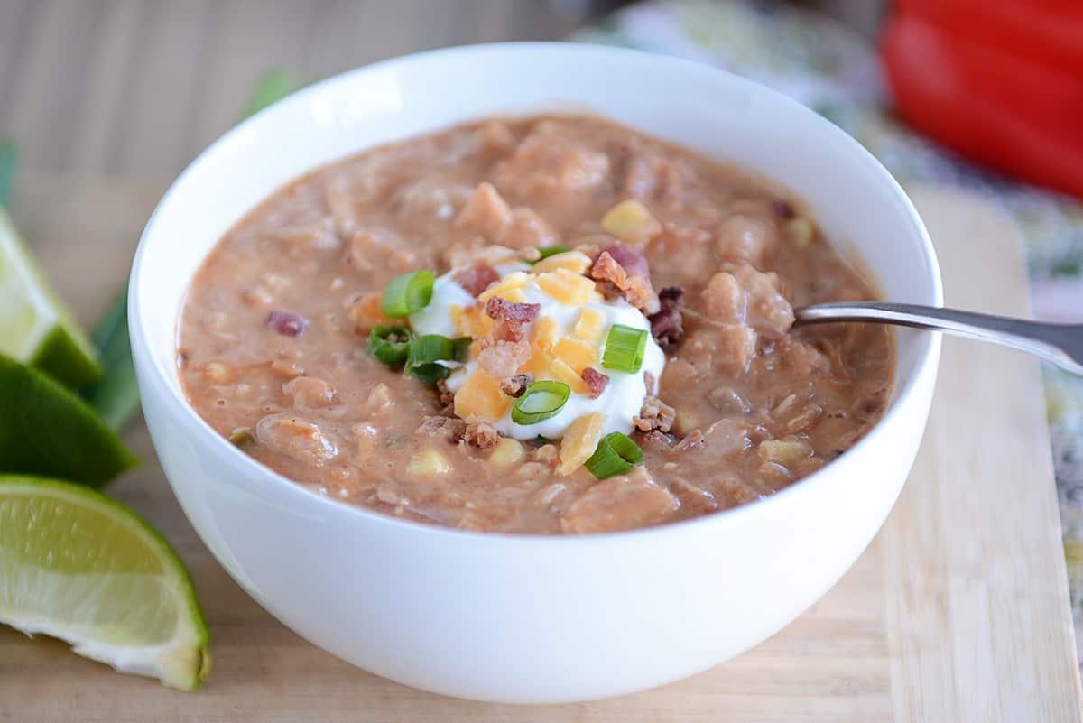 Slow Cooker Jalapeno Popper White Bean Chili