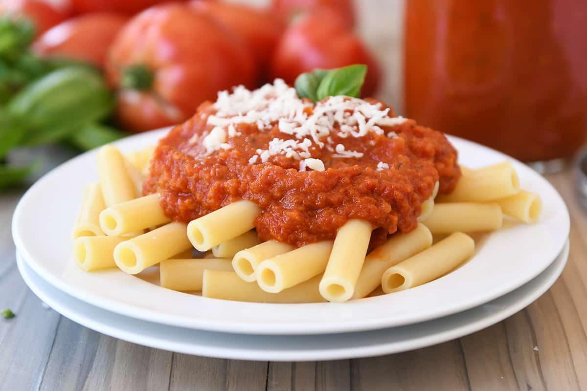 how to make easy homemade spaghetti sauce with fresh tomatoes