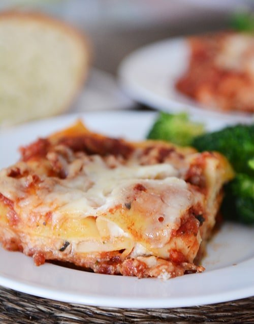 Simple and Delicious Classic Lasagna
