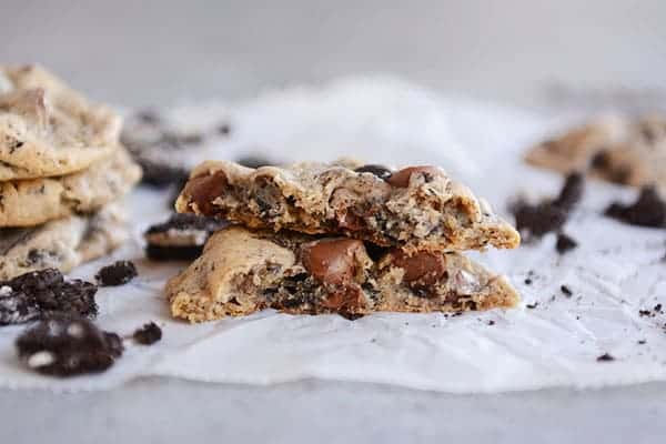 Cookies and Cream Oreo Chocolate Chip Cookies