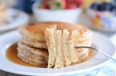 Fluffy Buttermilk Overnight Pancakes