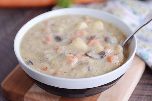 Russian Potato and Mushroom Leek Soup