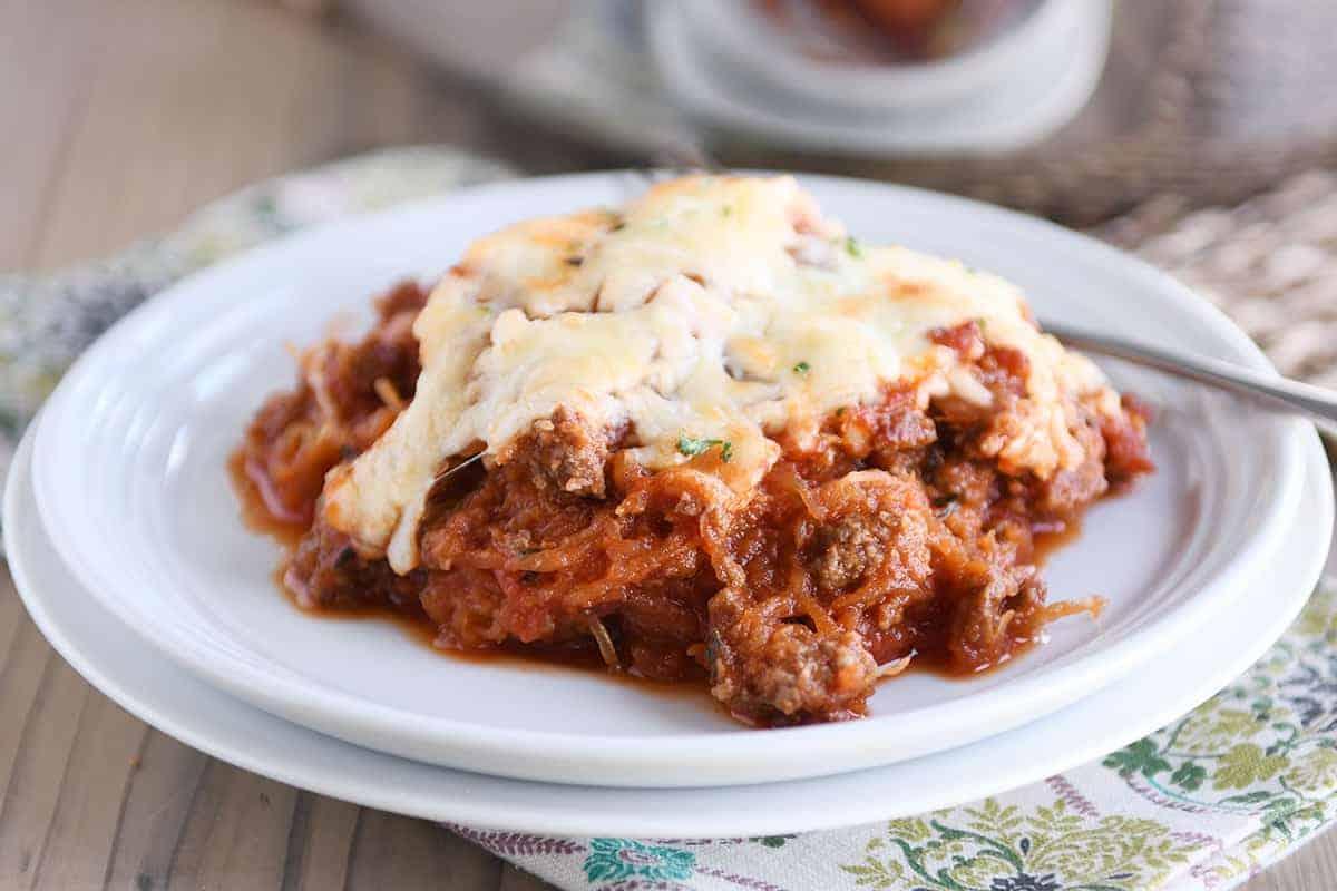 Weeknight Spaghetti Squash Spaghetti Bake Mel S Kitchen Cafe