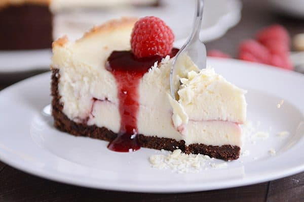 White Chocolate Raspberry Truffle Cheesecake: Cheesecake Factory Copycat!